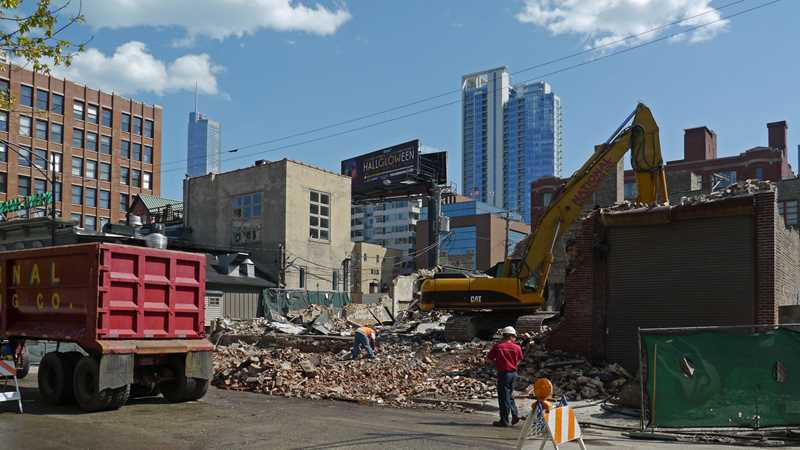 A one-day demolition in River North