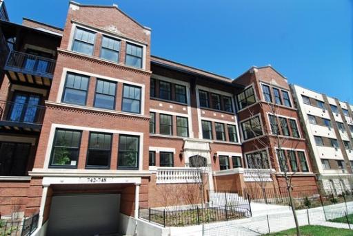 Buena Estate, 742 - 748 W Buena Ave, Buena Park, Chicago