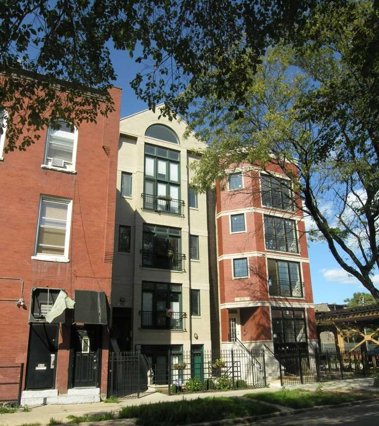 Homes at Barry & Sheffield, Chicago, IL