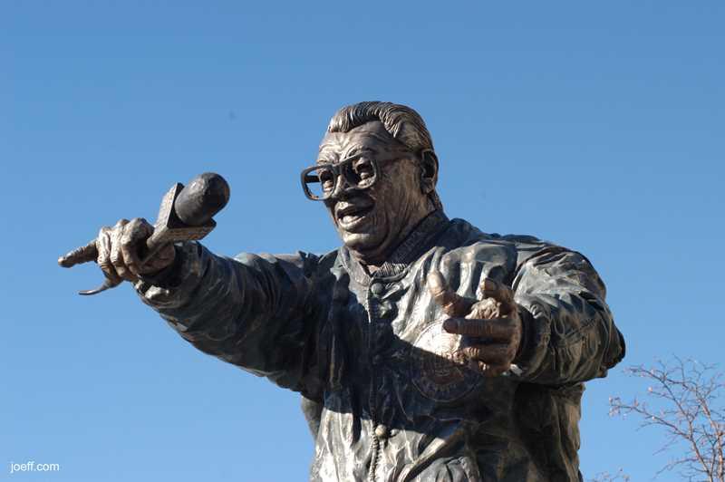 Joeff Davis photo, Harry Caray at Wrigley Field, Chicago, IL