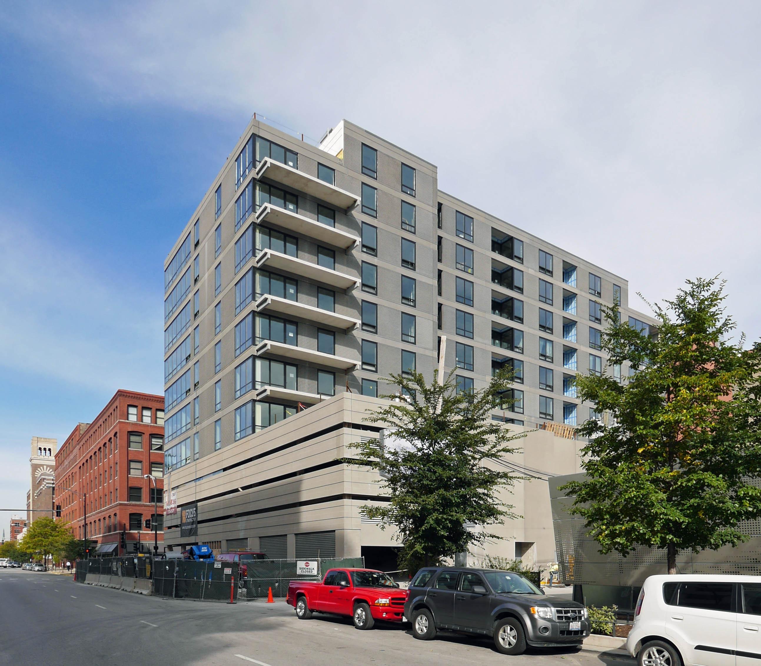 Circa 922 Apartments, 922 W Washington St, West Loop