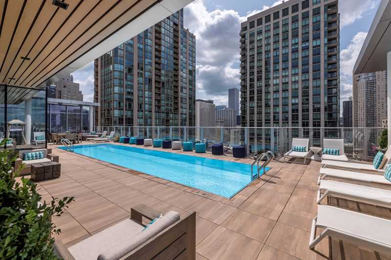 Rent a luxury 3-bedroom penthouse in a prime River North location at 8 East Huron