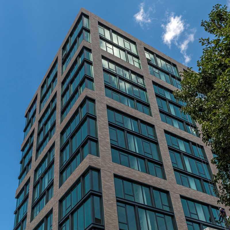 EMME Chicago apartments, 165 N Desplaines St, West Loop