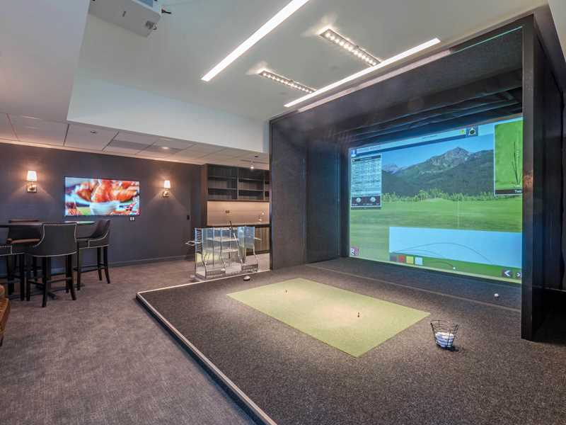 Golf simulator, Wolf Point West, Chicago