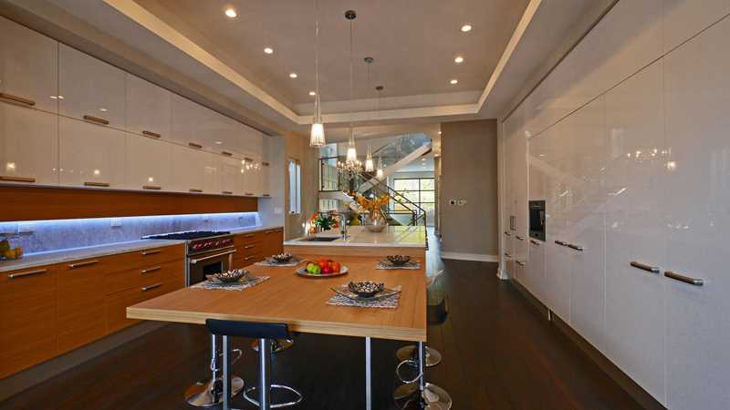 Step inside two luxury Lake View kitchens