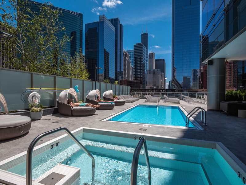 Pool deck, Wolf Point West, Chicago