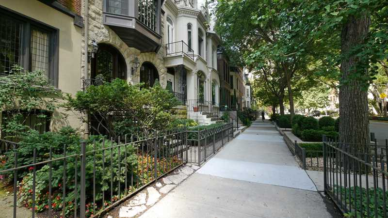 CoreLogic reports year-over-year Chicago home price decline
