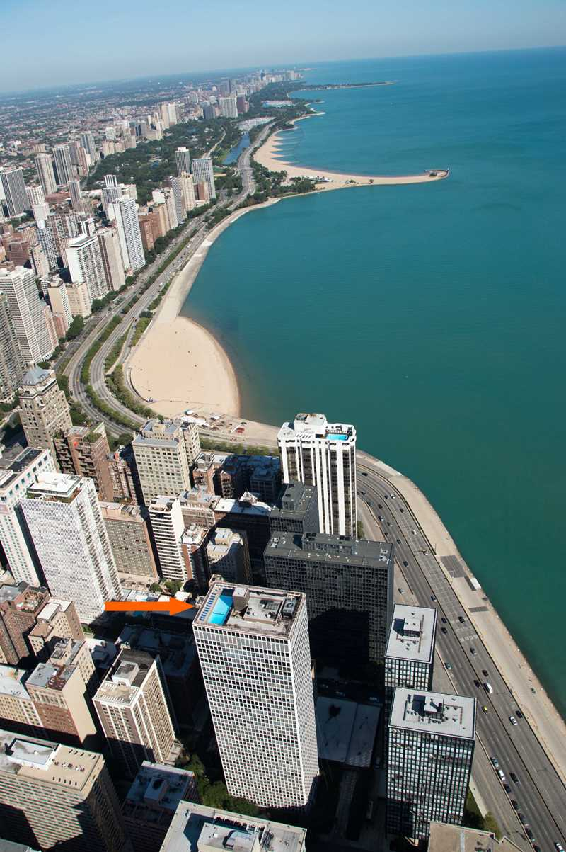 Chicago's highest outdoor pools – The Plaza on DeWitt