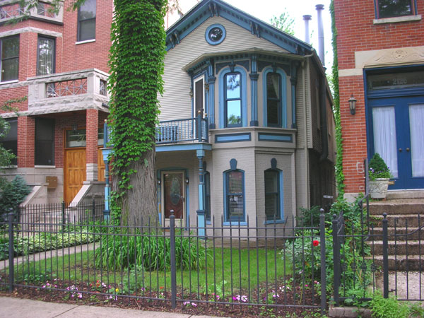 We like to watch: Painted Lady of Wicker Park