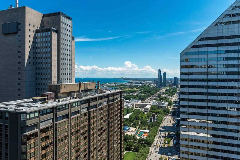New Michigan Avenue luxury apartments with up to two months' free rent