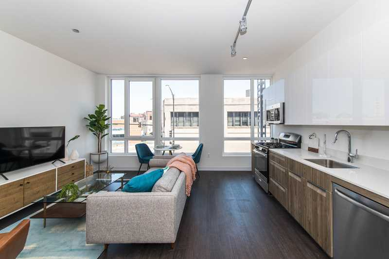 Tour stylish new Bucktown / Logan Square apartments at AM 1980