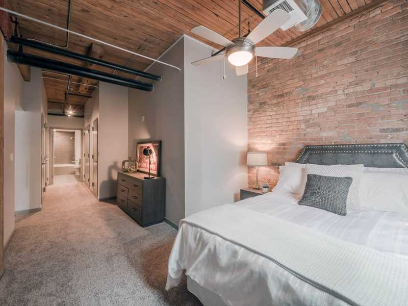 Unit 3201, Lofts at River East, Chicago
