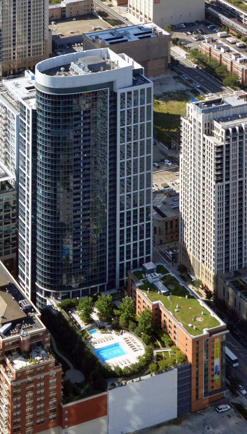 Sky55 apartments, 1255 S Michigan Ave, South Loop