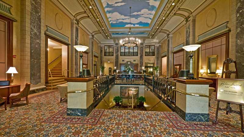Lincoln Park's impressive vintage apartment lobbies