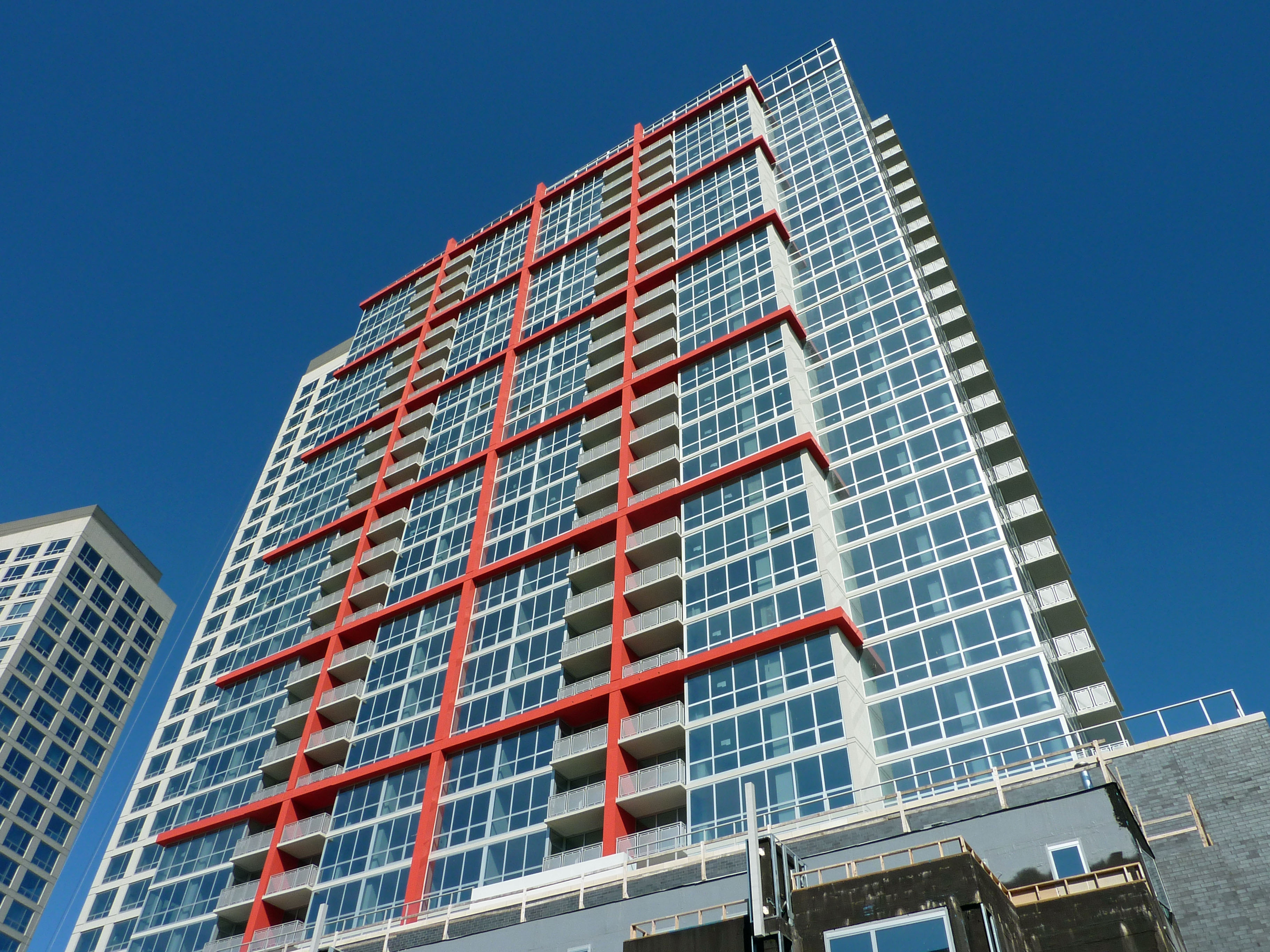 South Loop status: Some homes close at Museum Park Place South, but most linger