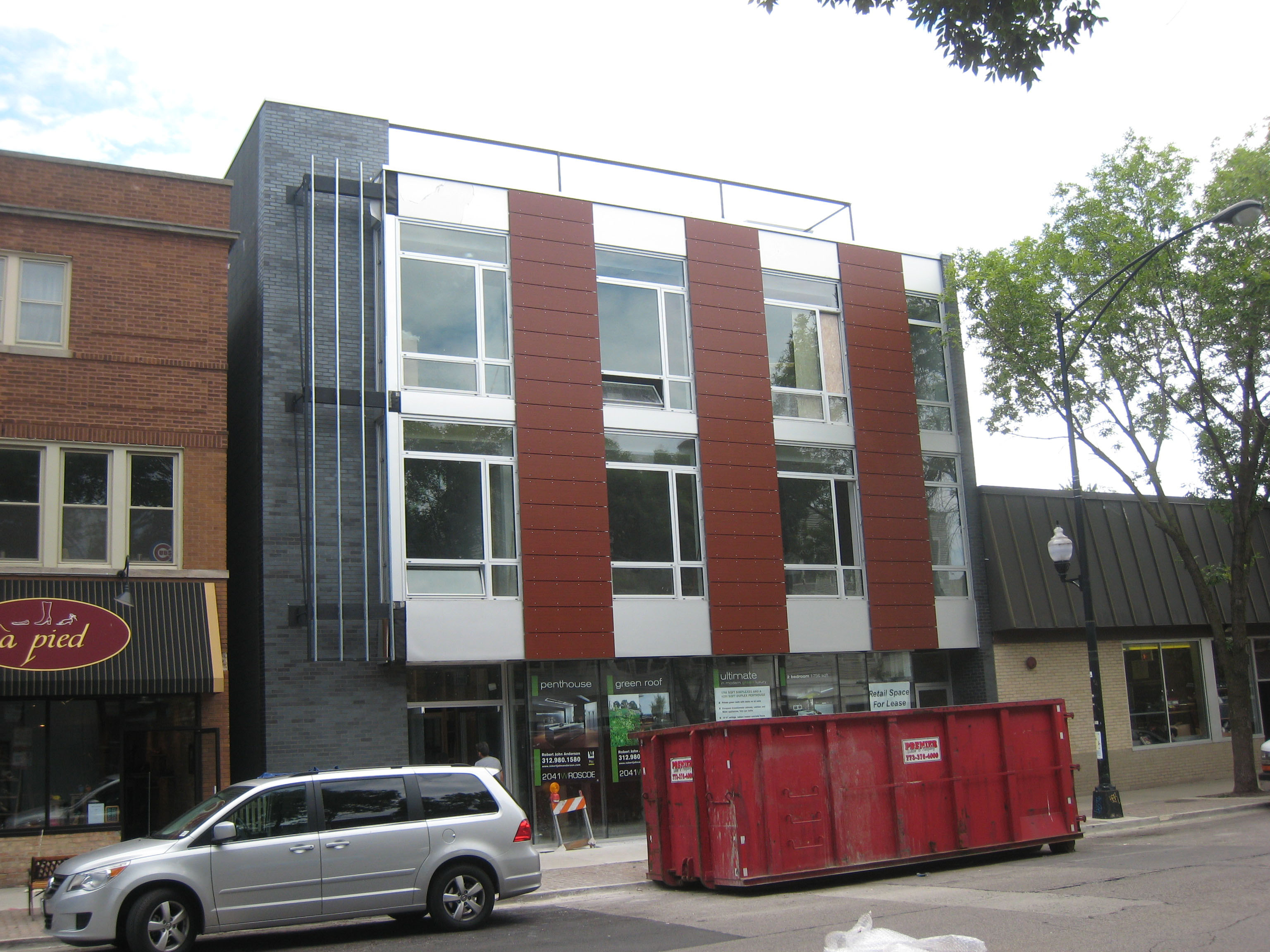 New Home Nuggets: New listings, new prices in Roscoe Village