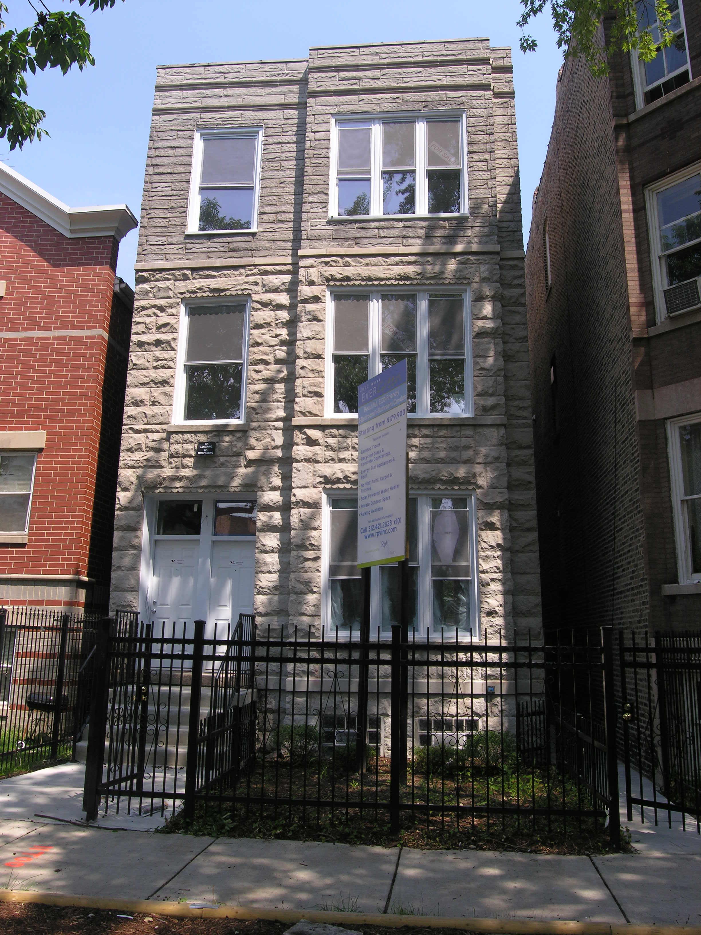 More green in Humboldt Park: 2622 W Evergreen Ave