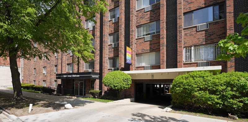 544 West Melrose apartments, Lakeview East
