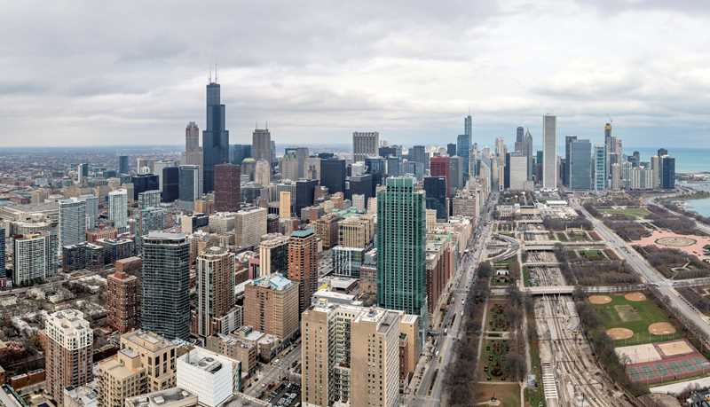 Must-see amenities and views at the South Loop's new Essex on the Park