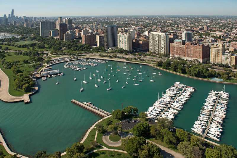 Start your Lakeview apartment hunt with landlords