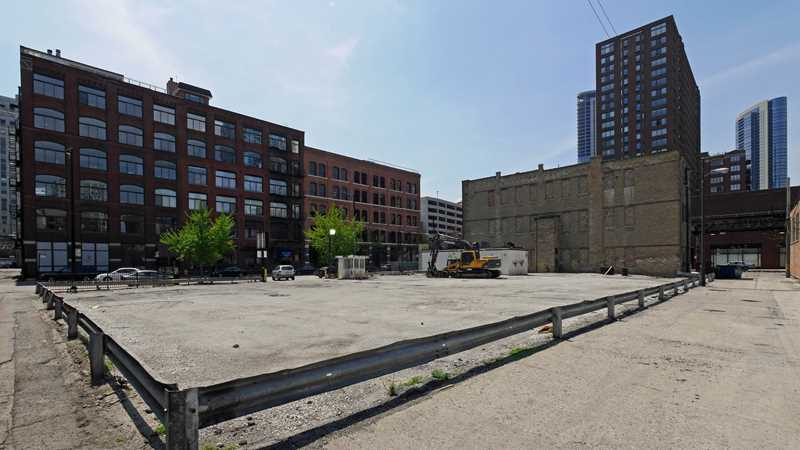 Site prep underway for River North apartment tower?