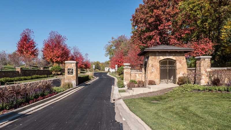 A mini-tour of a luxury Kildeer home at Woodleaf at the Sanctuary Club