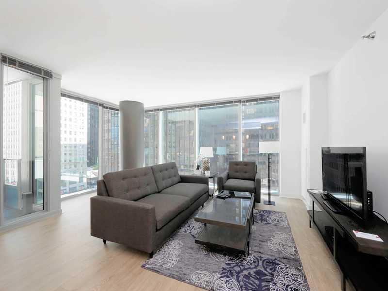 Suite Home Chicago, MILA