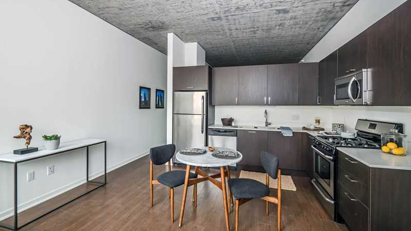 New South Loop condos selling at a brisk pace