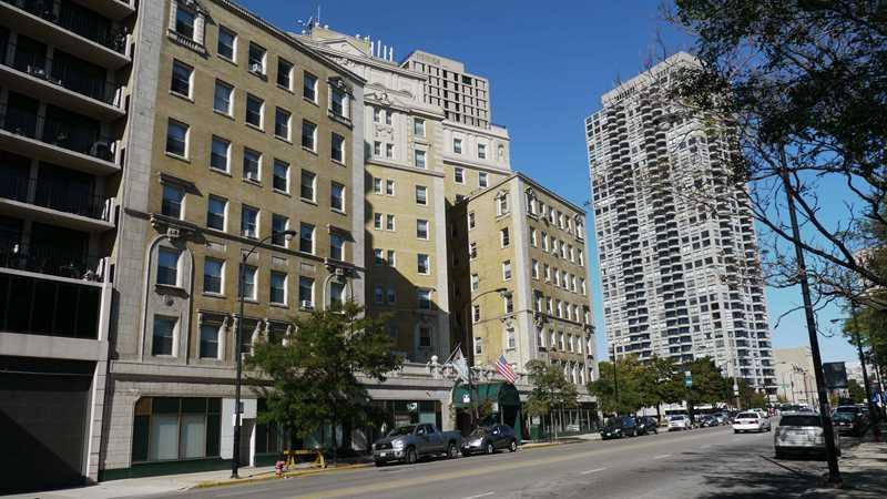 1960 N Clark St, Chicago, IL